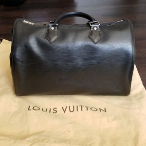 100% authentic Louis Vuitton Epi Speedy 30